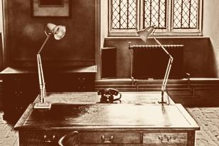 2018-19-print-rnd3-THE TELEPHONE by Phil Marsden
